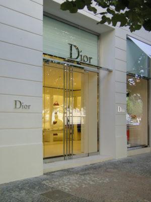 bollinger-architektur-dior_prag_eingang_2005-start